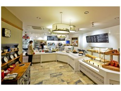 Located in its North East heartland, Greggs Moment is a new style coffee shop from Greggs, designed to meet the requirements of customers wanting a sit down coffee shop experience